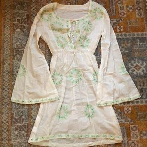 White beach coverup / tunic with embroidery detail